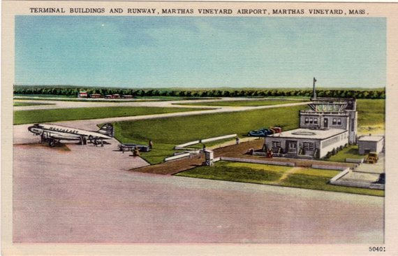 1969-marthas-vineyard-airport